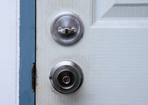 grahams_home_and_cleaning_care_home_cleaning_brisbane_unclean_door_handle.jpg